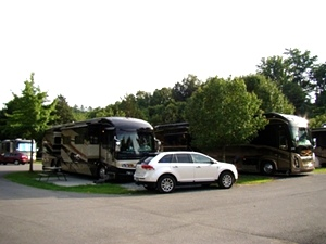 CAMPGROUND PIGEON FORGE TN - CREEKSIDE RV PARK - GOOD SAM PARK #1 CHOICE